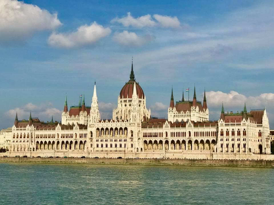 Buda parlement 2