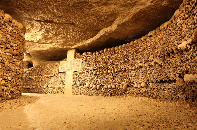 Visite avec billet coupe file dans les catacombes de paris in paris 147943